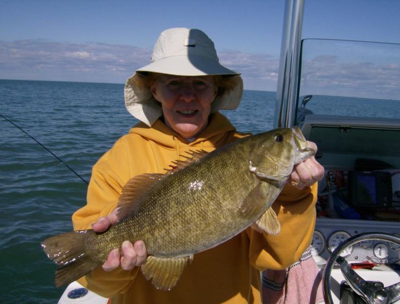 Photos lake erie buffalo ny fishing charters for Freshwater fishing ny